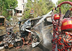 17 KILLED IN DEADLY ROAD ACCIDENT