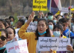 Myanmar junta makes ceasefire offer, but not to protesters