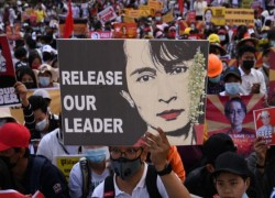 Aung San Suu Kyi faces new charge under Myanmar's secrets law