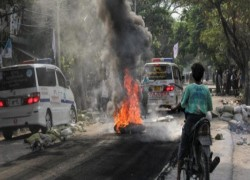Myanmar protesters urge 'guerrilla strikes' amid internet cutoff