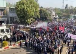 মিয়ানমার: লাশের জন্য টাকা নিচ্ছে সেনাবাহিনী
