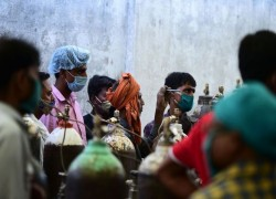 New Delhi running out of medical oxygen as Covid-19 pandemic surges
