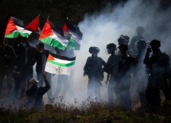 Israel uses 'apartheid' to subjugate Palestinians: HRW