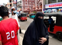 Sri Lankan govt detains Muslim parliamentarian and bans burqa