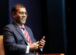 Former Maldives President Nasheed hurt in suspected bomb attack