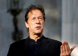 PM Imran says will not hold talks with India till Aug 5 decision withdrawn