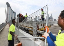 Singapore's entry ban on India worsens COVID labor crunch