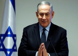 'Traitors': Fears of violence grows as Netanyahu clings to power