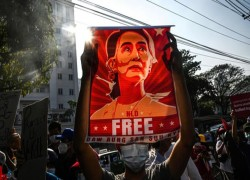 Aung San Suu Kyi faces fresh corruption charges in Myanmar as trial nears