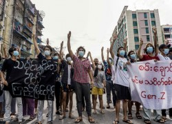 Myanmar protesters show support for Rohingya with viral social media campaign