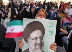Raisi's election victory raises difficulties as Iran nuclear deal talks resume