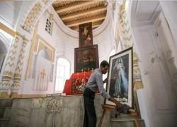 In Bangladesh's empty Armenian church, a lone Hindu worshipper