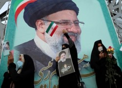 Can Iran's new President Raisi fix a deeply troubled economy?