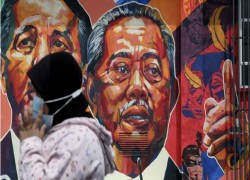 Malaysia's Muhyiddin battles for political life as royal peace offering fizzles, key ally pulls support
