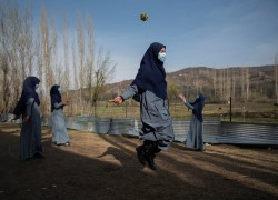 Hope and disappointment under lockdown in Kashmir