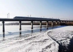 China's bullet train linking Tibet hosts military transport mission: Report