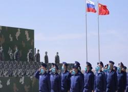 দশ হাজারের বেশি সেনার অংশগ্রহণে চীন-রাশিয়ার সামরিক মহড়া