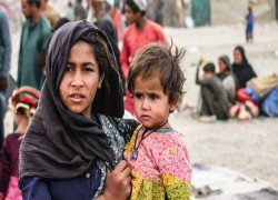 Turkey, Iran and Pakistan raise entry bars for Afghan refugees