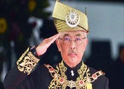 Malaysia politics resort to growing dependence on King Abdullah