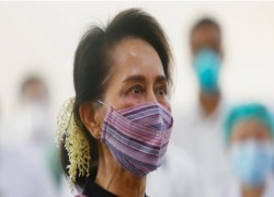Myanmar: Aung San Suu Kyi skips hearing after feeling unwell
