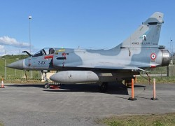 IAF signs deal with France to purchase phased out Mirage-2000 fighter aircraft