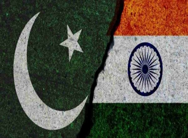 Pakistan vows to hit back as India threatens with surgical strikes