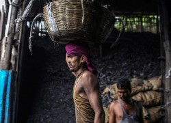 India's coal crunch is a bad sign for its economy, and the world's climate change battle